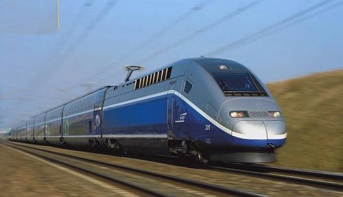 آخرین وضعیت پروژههای قطار سریعالسیر اصفهان-تهران و آزادراه کنارگذر شرق اصفهان در فرمانداری برخوار بررسی شد