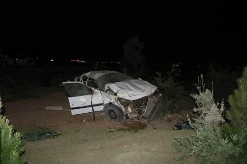 واژگونی خودرو پژو پارس در بزرگراه آزادگان اصفهان با دو کشته و یک مصدوم