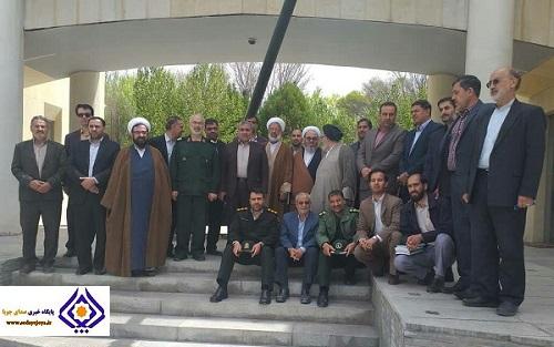 اعضای شورای اداری شاهینشهر و میمه از باغموزه دفاع مقدس اصفهان بازدید کردند/ باغ موزههای دفاع مقدس یادگاری از دوران تجاوز دشمن به خاک ایران است